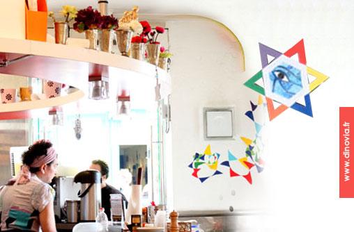 falafels et vaisselle de couleurs