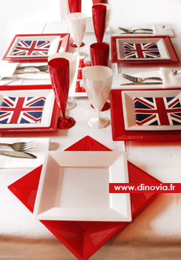 décorationde table rouge et blanche