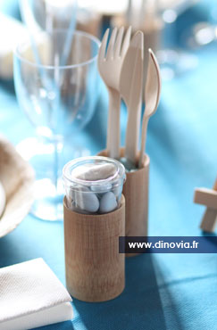 Dco bois et bleu pour une table de mariage