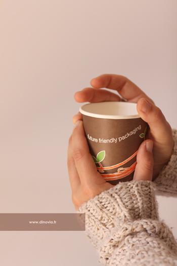 gobelet jetable chocolat chaud